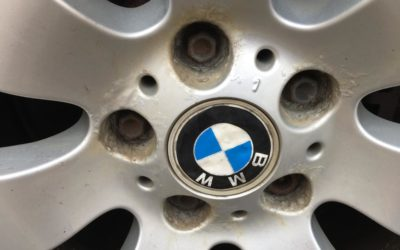 BMW with rusty alloys. Can we do this? YES OF COURSE!